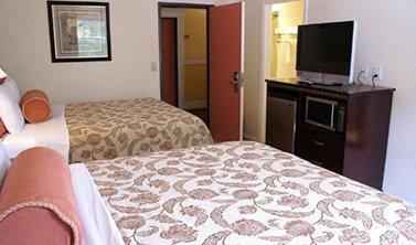 Harborview Inn and Suites - 2 Queen Beds